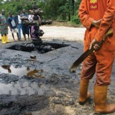 Oil spill cleanup in Niger Delta. Via Niger Delta Rising.