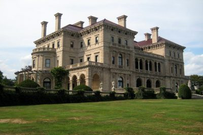 The estate tax was meant to discourage the wealthy dynasties and estates of the Gilded Age. (Flickr/Wally Gobetz)