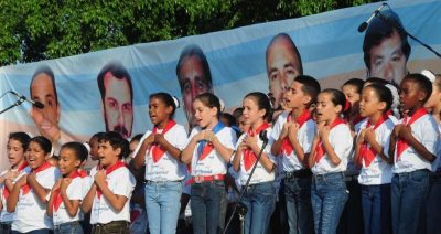 photo of Cuban children singing