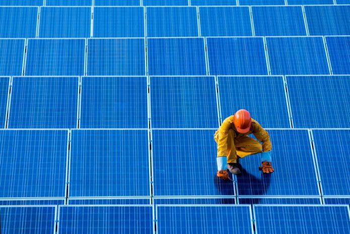 solar-panels-worker